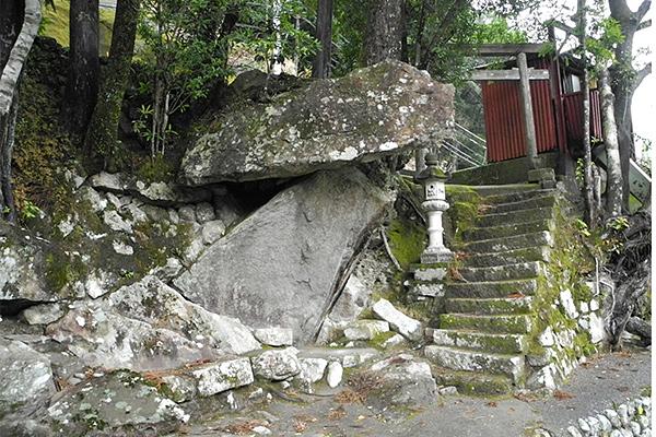 相須神丸(アイスカンマル)の高倉神社跡