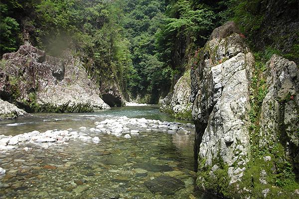 和田川峡谷